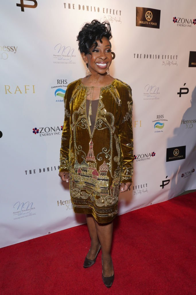 Gladys Knight wearing a gold-embroidered velvet dress during her post-birthday celebration on October 20, 2019. | Photo: Getty Images