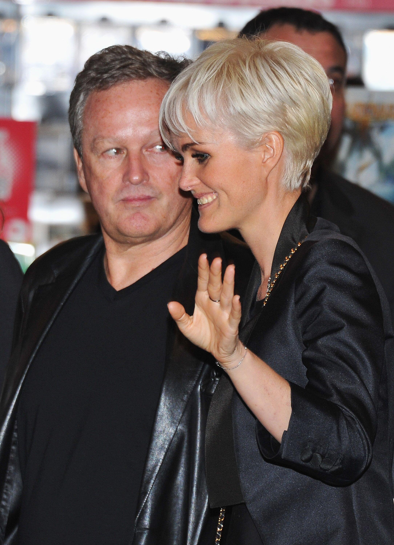Laeticia Hallyday et son père André Boudou. l Source : Getty Images