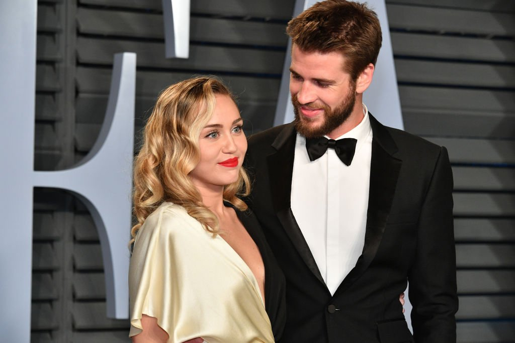 Miley Cyrus and Liam Hemsworth attend the 2018 Vanity Fair Oscar Party on March 4, 2018. | Photo: GettyImages