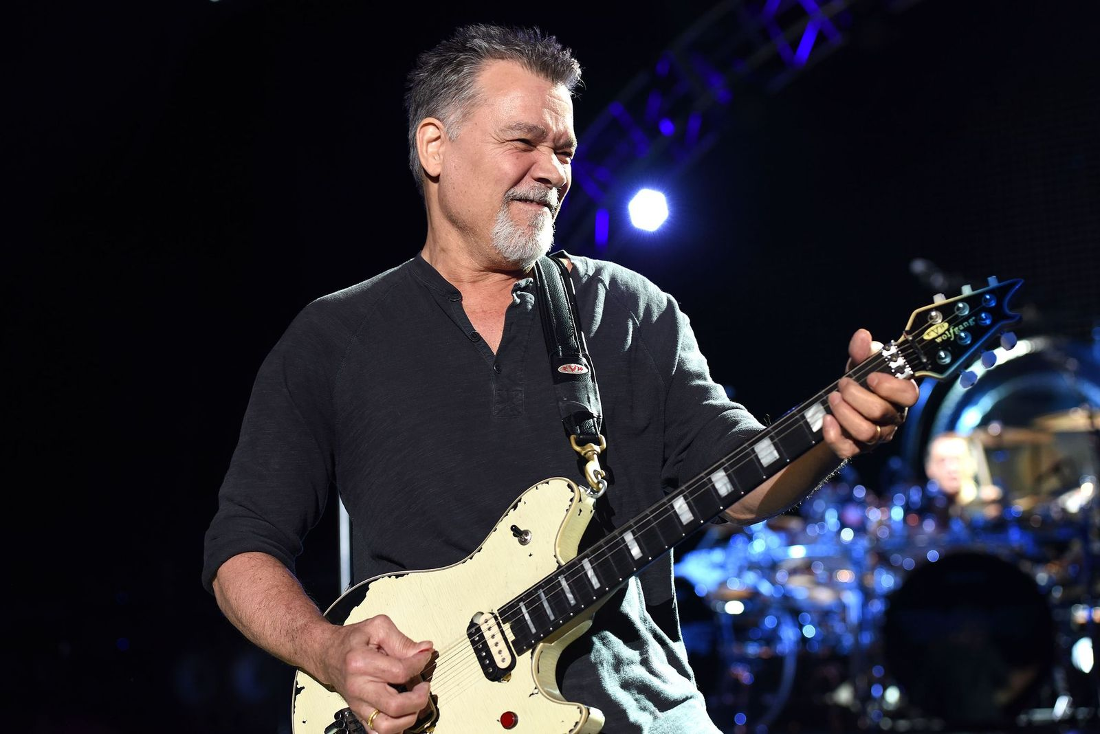 Eddie Van Halen of Van Halen performs at the Shoreline Amphitheatre on July 16, 2015, in Mountain View, California | Photo: C. Flanigan/Getty Images
