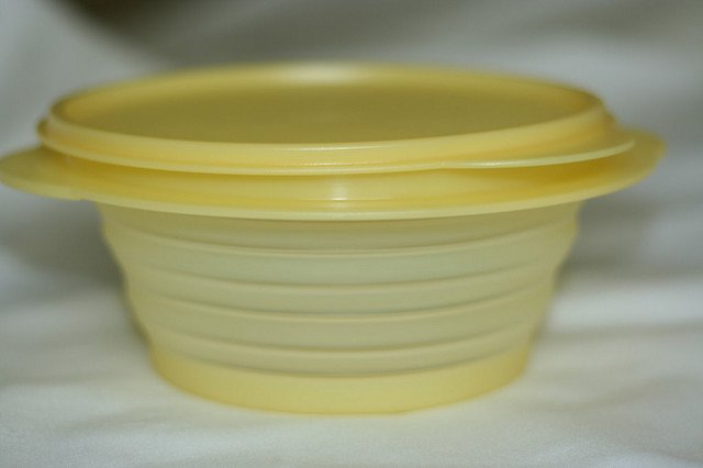 A piece of Tupperware product. | Source: Flickr
