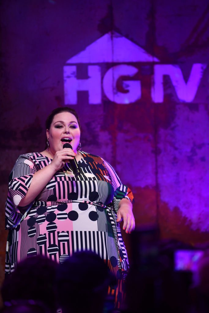 Chrissy Metz performs onstage in the HGTV Lodge at CMA Music Fest | Photo: Getty Images