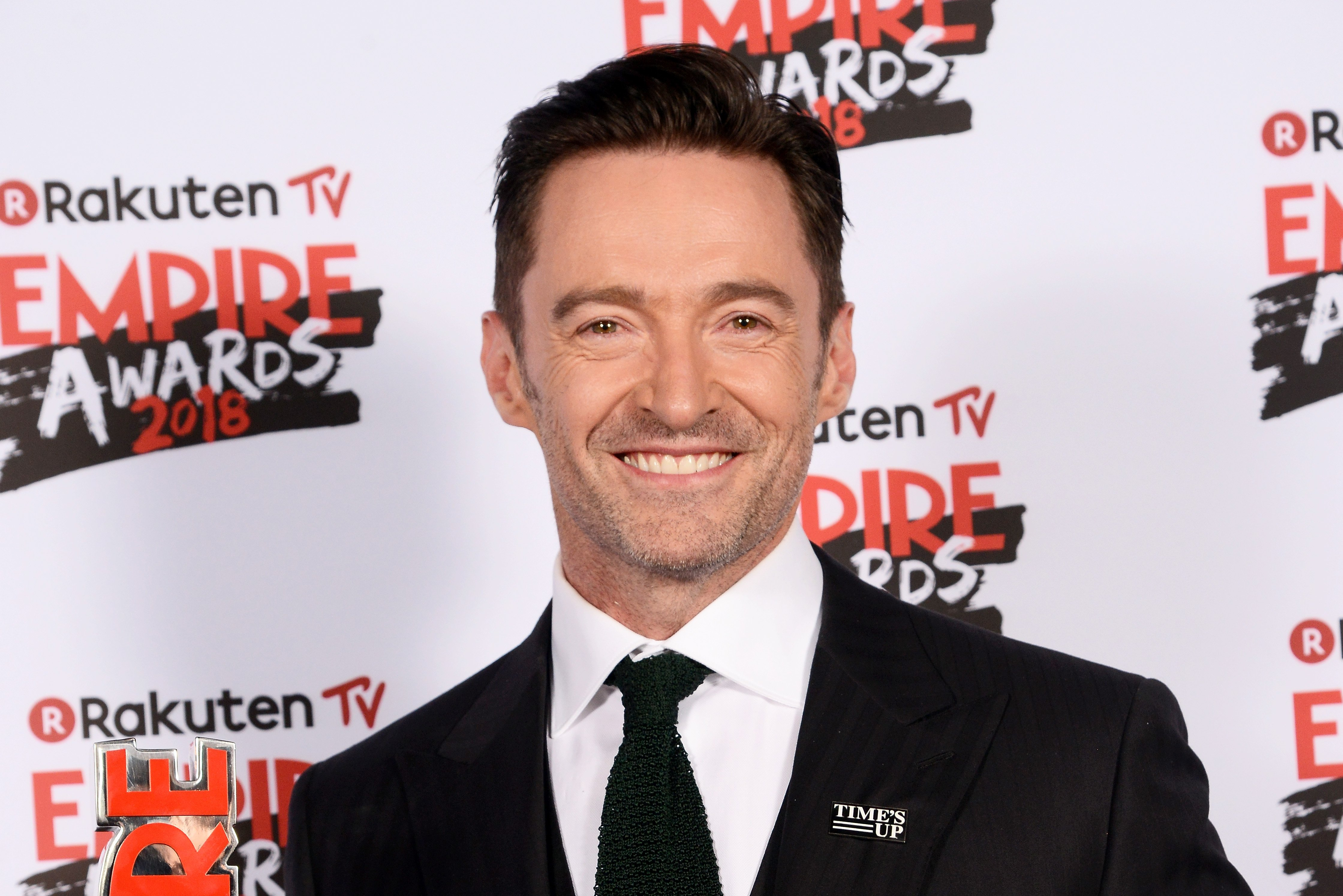 Hugh Jackman, winner of the Best Actor award, poses in the winners room at the Rakuten TV EMPIRE Awards 2018 at The Roundhouse on March 18, 2018,0 in London, England. | Source: Getty Images.