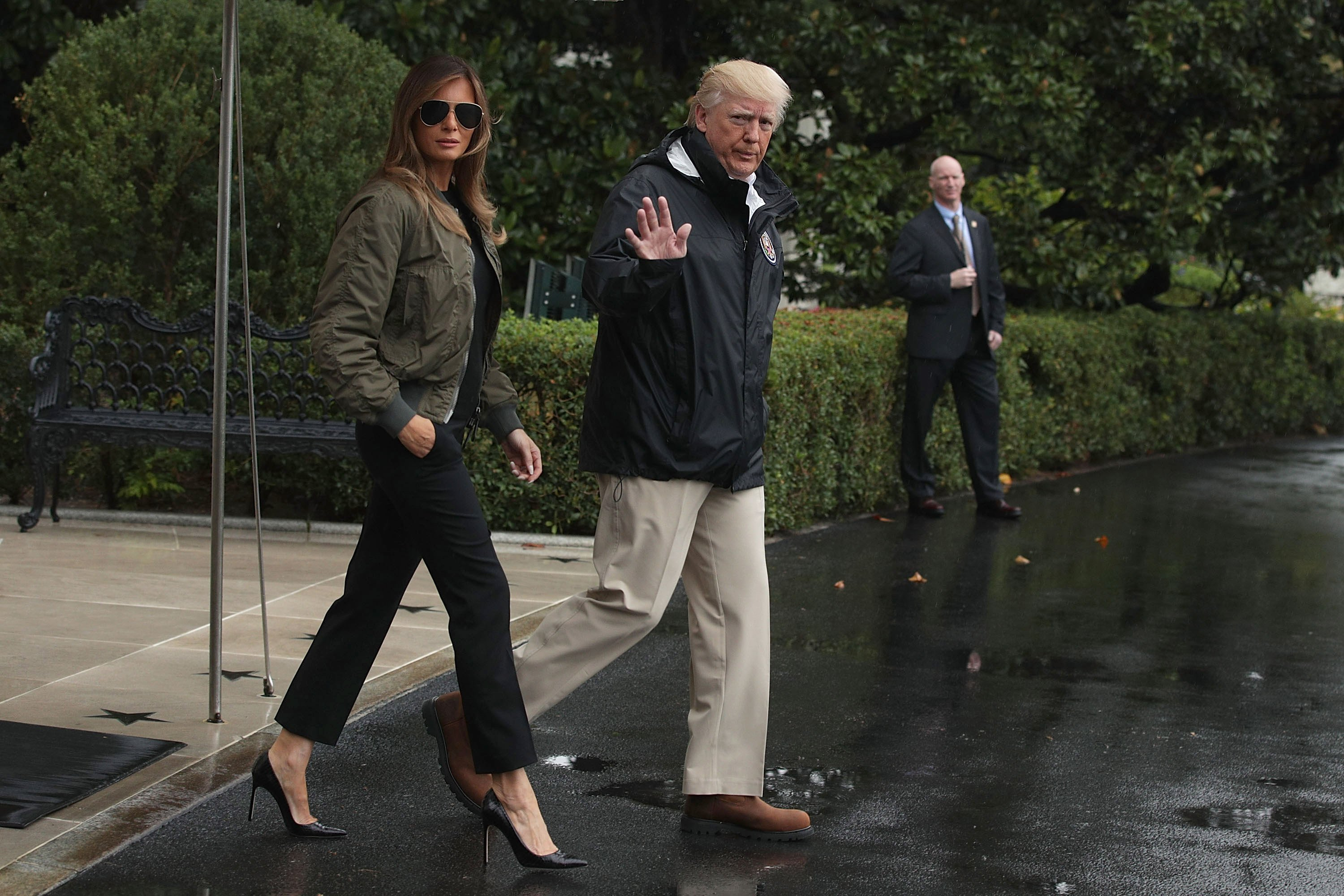 Donald and Melania Trump on their way to visit victims of Hurricane Harvey | Photo: Getty Images
