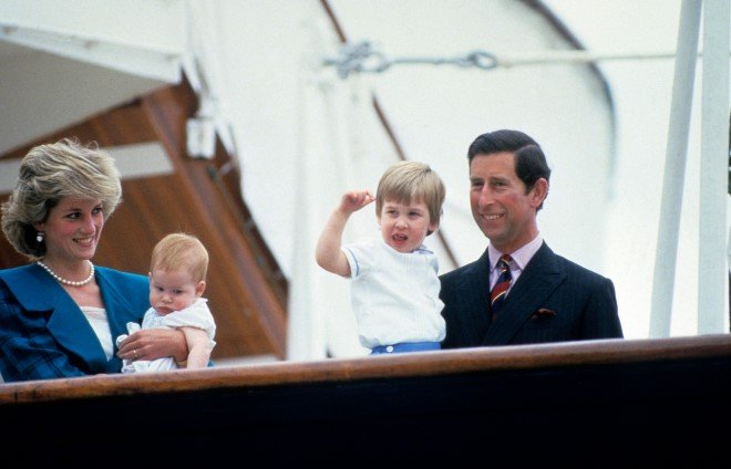 Prinzessin Diana, Prinz Charles und die Prinzen Harry und William | Quelle: Getty Images