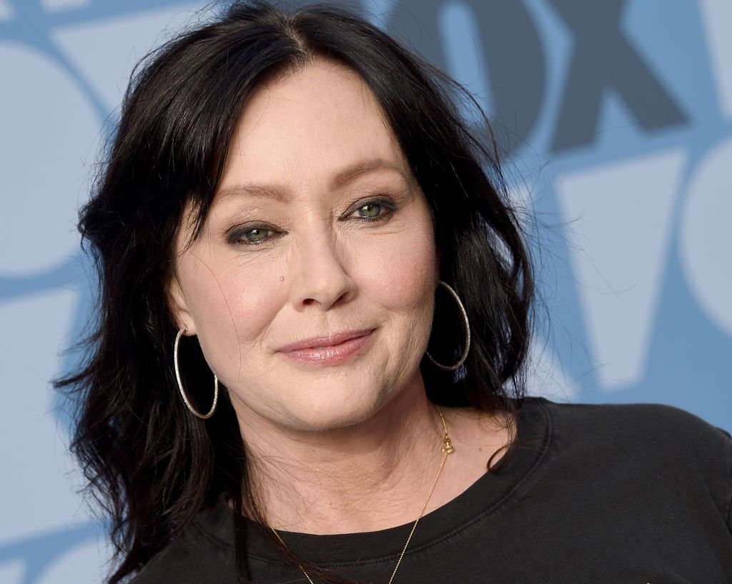 Shannen Doherty poses on the blue carpet as she arrives at the FOX Summer TCA 2019 All-Star Party on August 7, 2019, in Los Angeles, California | Source: Getty Images (Photo by Gregg DeGuire/FilmMagic)