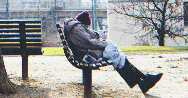 A homeless man in the park saw the little girl shivering   Source: Shutterstock.com