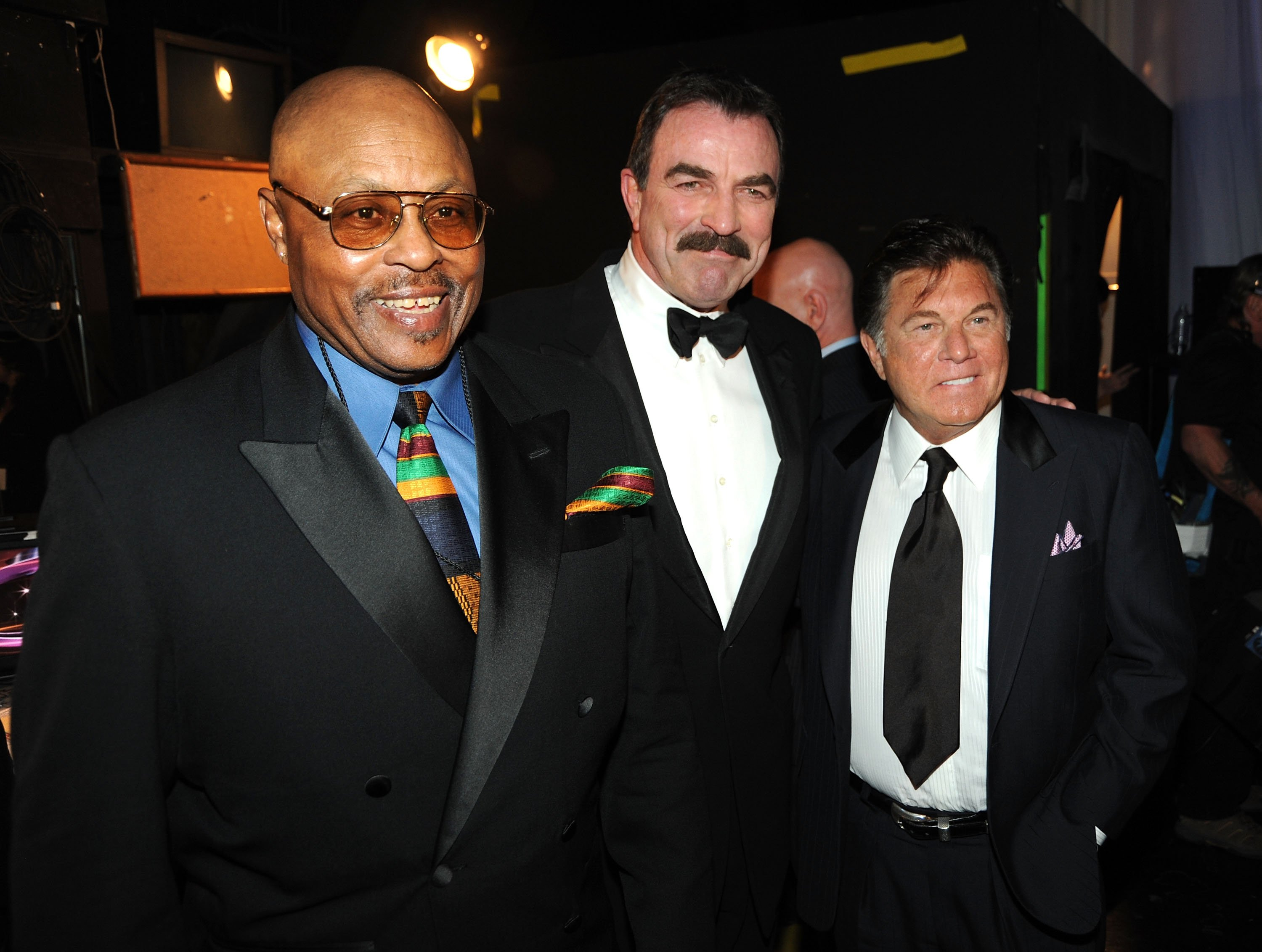 Roger E. Mosley, Tom Selleck, and Larry Manetti on April 19, 2009 in Universal City, California | Photo: Getty Images/Global Images Ukraine