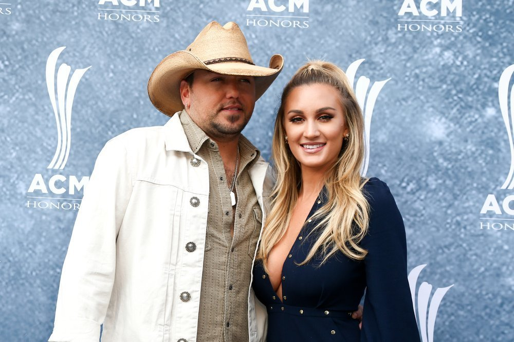 Jason Aldean (L) and wife Brittany Kerr attend the 9th Annual ACM Honors at the Ryman Auditorium on September 1, 2015 in Nashville, Tennessee |Shutterstock