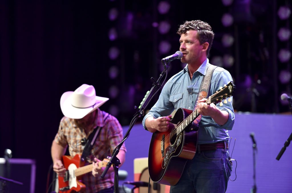 Evan Felker of Turnpike Troubadours performs onstage during The Bandwagon Tour at Xfinity Center on July 21, 2018 | Photo: GettyImages