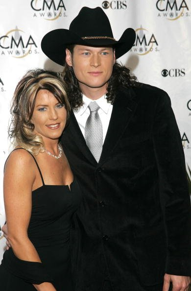 Blake Shelton and Kaynette Williams at the Grand Ole Opry House in November 2004 | Photo: Getty Images