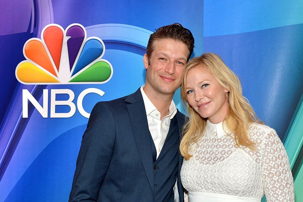 Peter Scanavino and Kelli Giddish attend The 2015 NBC Upfront Presentation at Radio City Music Hall on May 11, 2015 | Photo: GettyImages