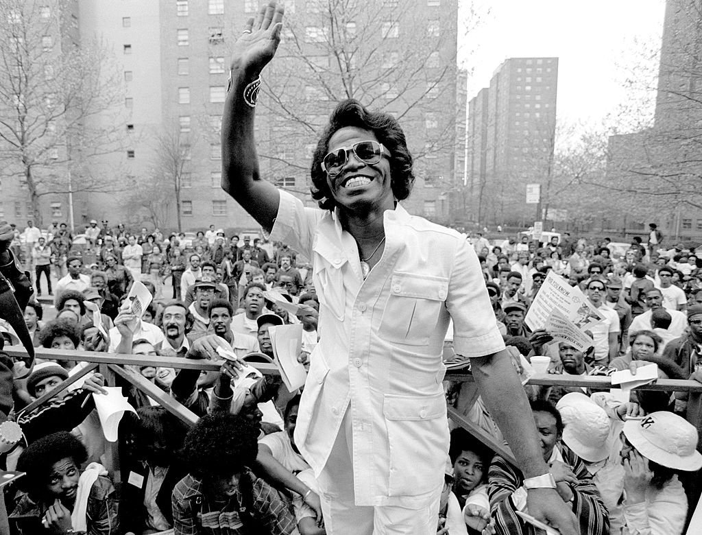 James Brown visits Harlem in New York to meet fans on May 03 1979. | Photo: Getty Images