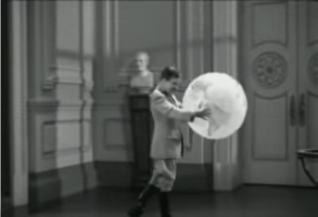 Image Credits: Youtube/filmafic - Charles Chaplin Film/The Great Dictator trailer