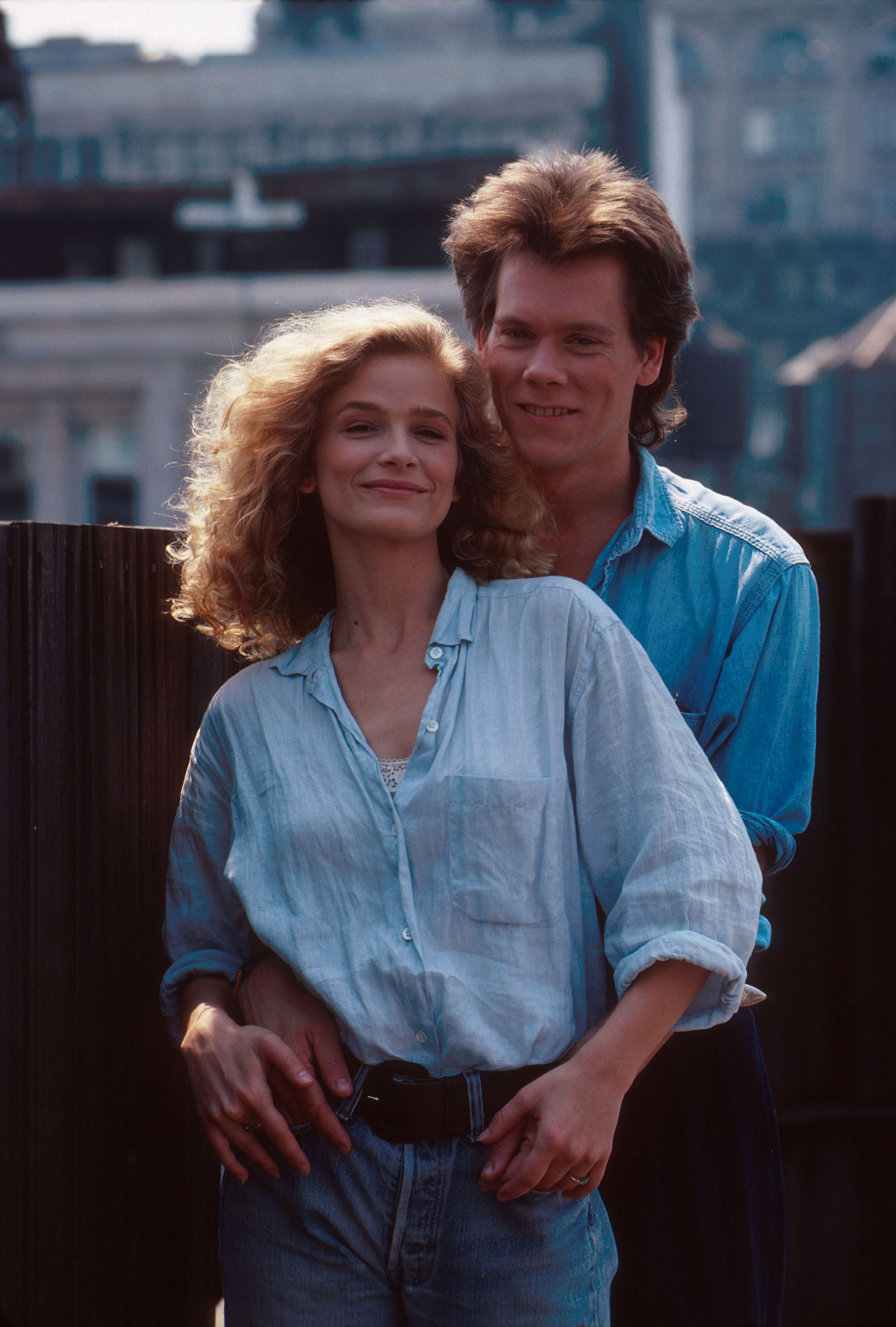 Kevin Bacon and Kyra Sedgwick pose for a shoot in New York in August 1988 | Photo: Getty Images