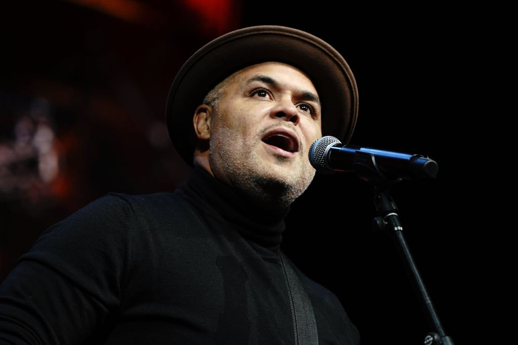 Israel Houghton performs on stage during Peace Starts With Me concert at Nassau Coliseum | Photo: Getty Images