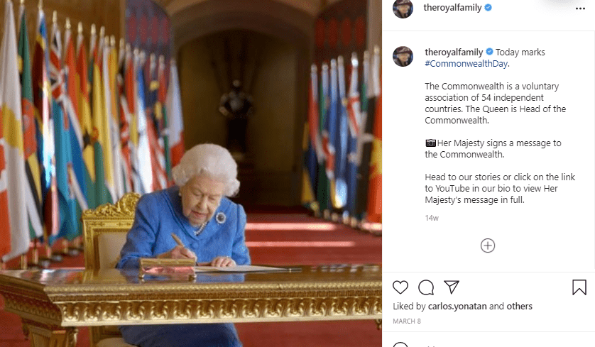 Her Majesty, Queen Elizabeth signs a message to the Commonwealth. | Photo: Instagram/royalfamily