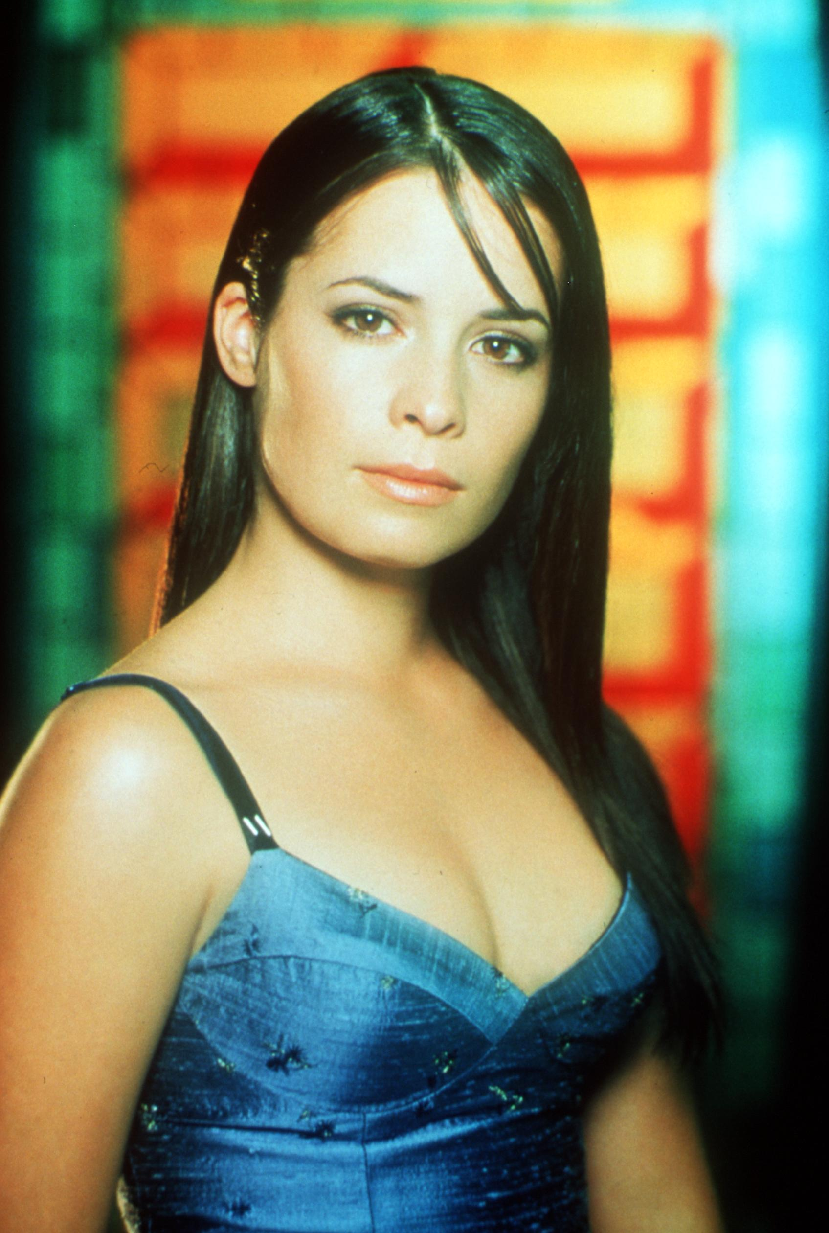 """Holly Marie Combs from the tv show """"Charmed"""" 1999 Paramount Pictures/Deliverd by: Online Usa, Inc 