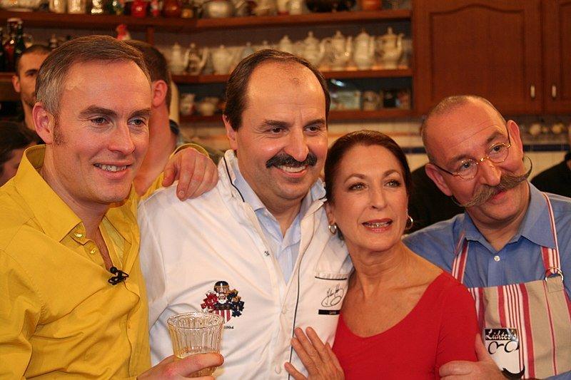 Johann König, Horst Lichter, Johann Lafer, Daniela Ziegler bei der Fernsehaufzeichnung zur Sendung:Lafer!Lichter!Lecker! | Quelle: Wikimedia Commons