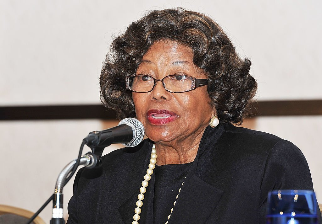 "Katherine Jackson assiste à la conférence de presse de la ""Michael Jackson Children Foundation"" à l'hôtel Keio Plaza le 12 décembre 2011 