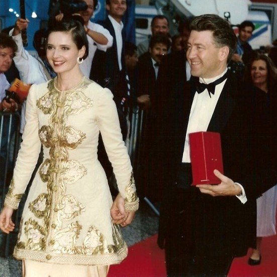 Isabell Rossellini with David Lynch at the Cannes Film Festival in 1990 | Source: Getty Images