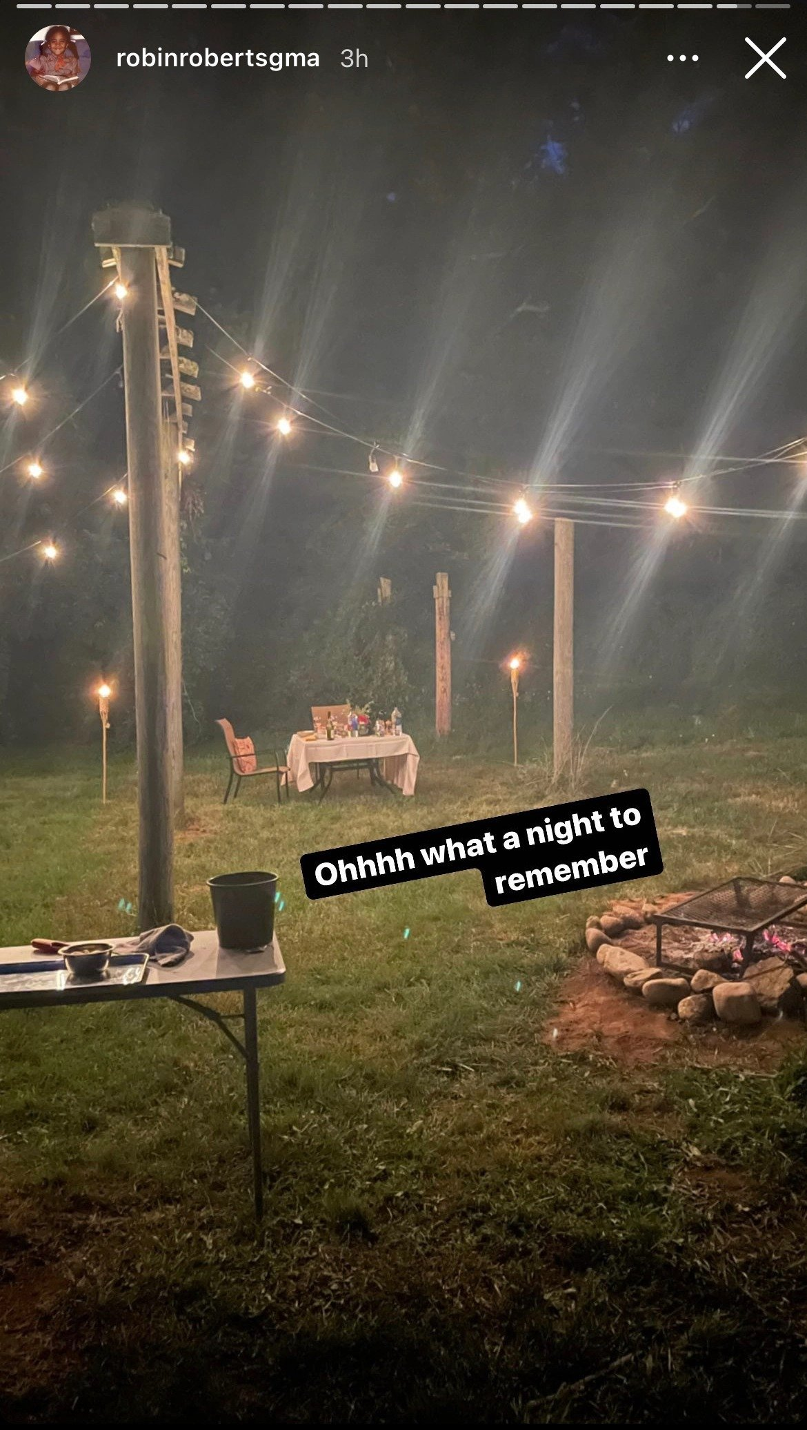 Robin Roberts and Amber Laign's 16th anniversary date with glowing lights at Sub Edge Farm. | Photo: instagram.com/robinrobertsgma