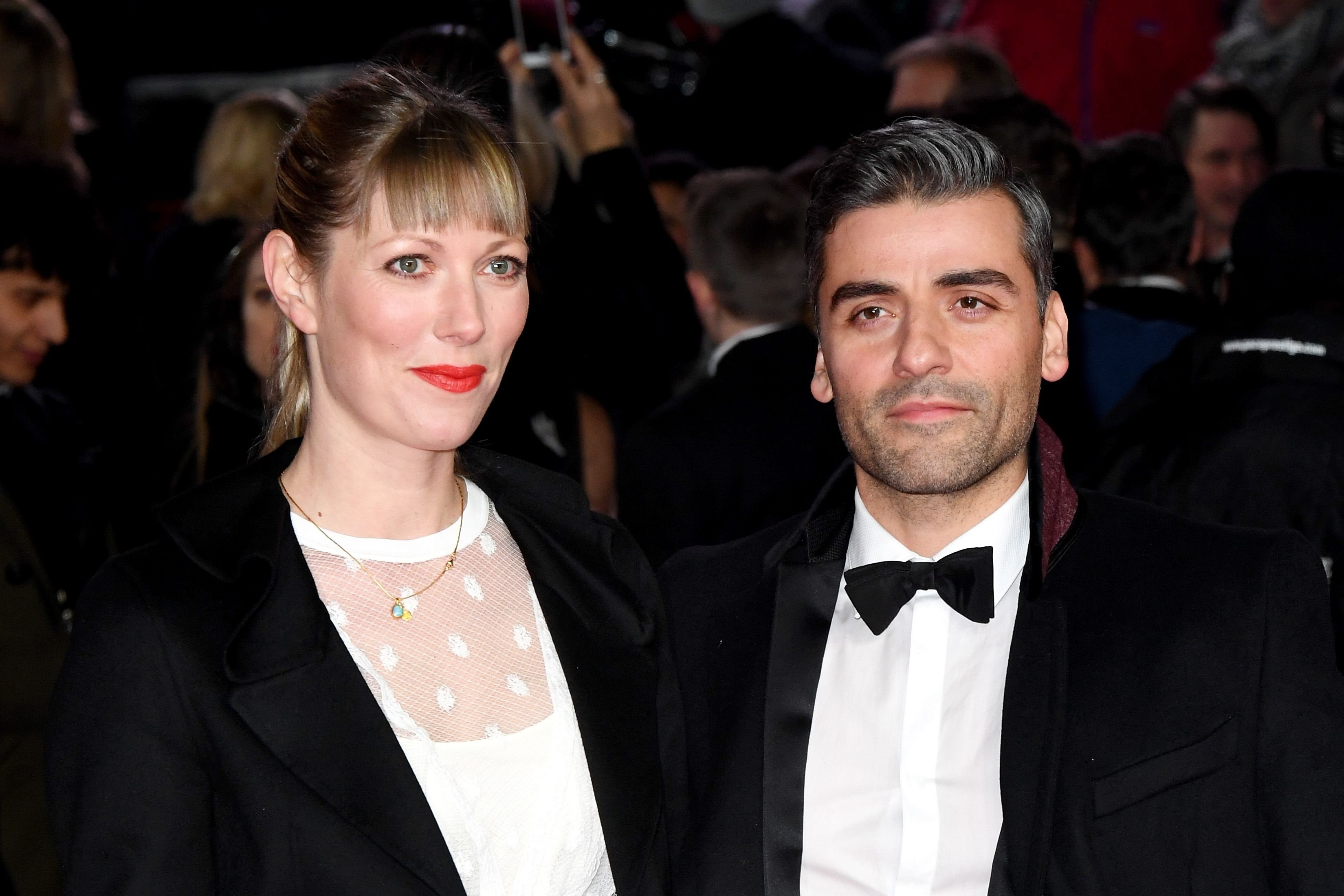 """Oscar Isaac and director Elvira Lind at the premiere of """"Star Wars: The Last Jedi"""" in December 2017 in London 