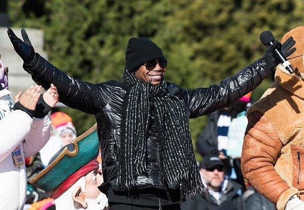 Rapper Doug E. Fresh performing during the 99th Annual 6abc Dunkin' Donuts Thanksgiving Day Parade in Philadelphia.| Photo: Getty Images.