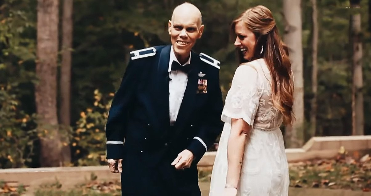 Becky and Timothy Carey prepare to dance for a photo shoot months before the bride's wedding day. | Source: YouTube/InsideEdition