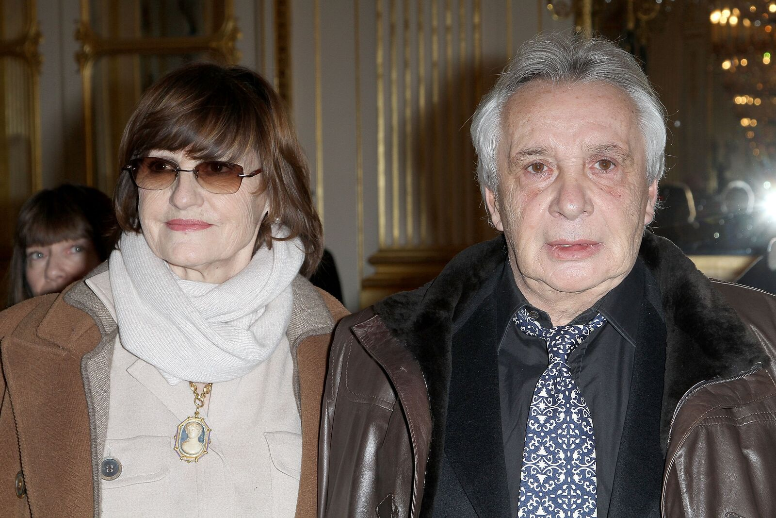 Anne-Marie Périer à coté de  Michel Sardou. | Photo : GettyImage
