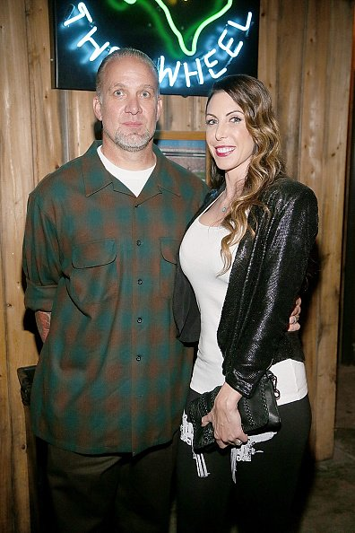 Jesse James and Alexis DeJoria at the Rattle Inn on November 16, 2013 in Austin, Texas. | Photo: Getty Images