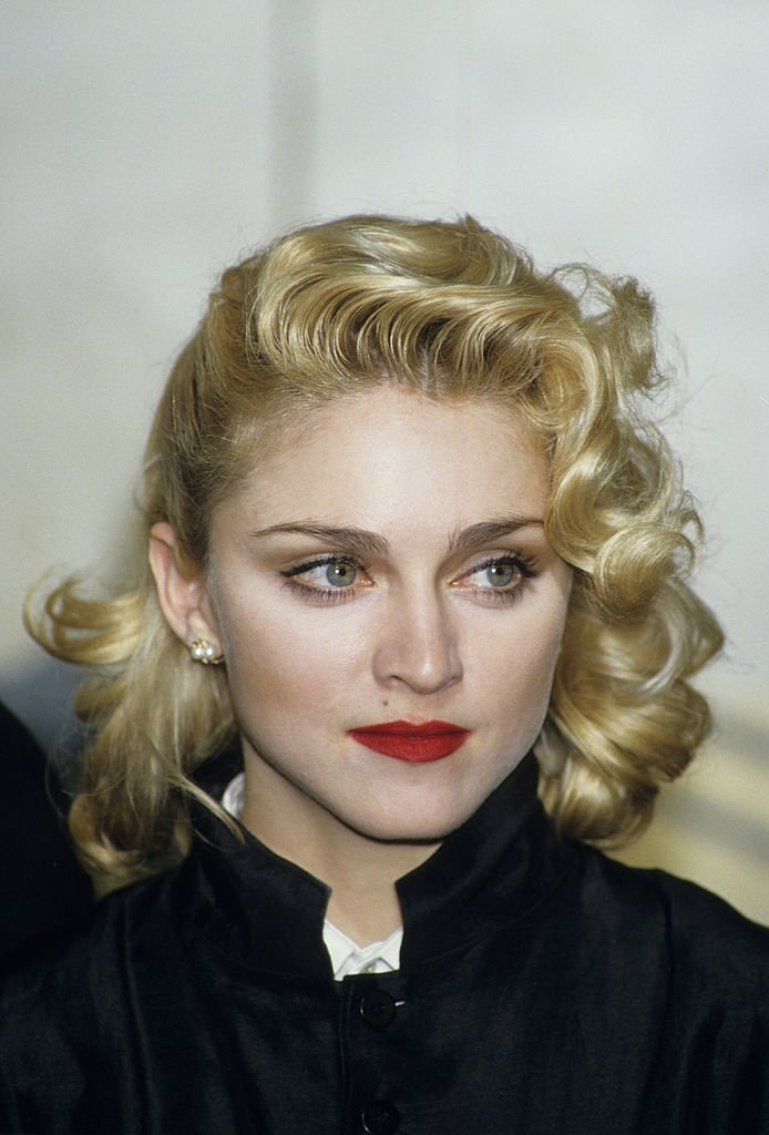 Madonna at a press conference at the Kensington Roof Gardens in London on March 6, 1986 | Photo: Getty Images
