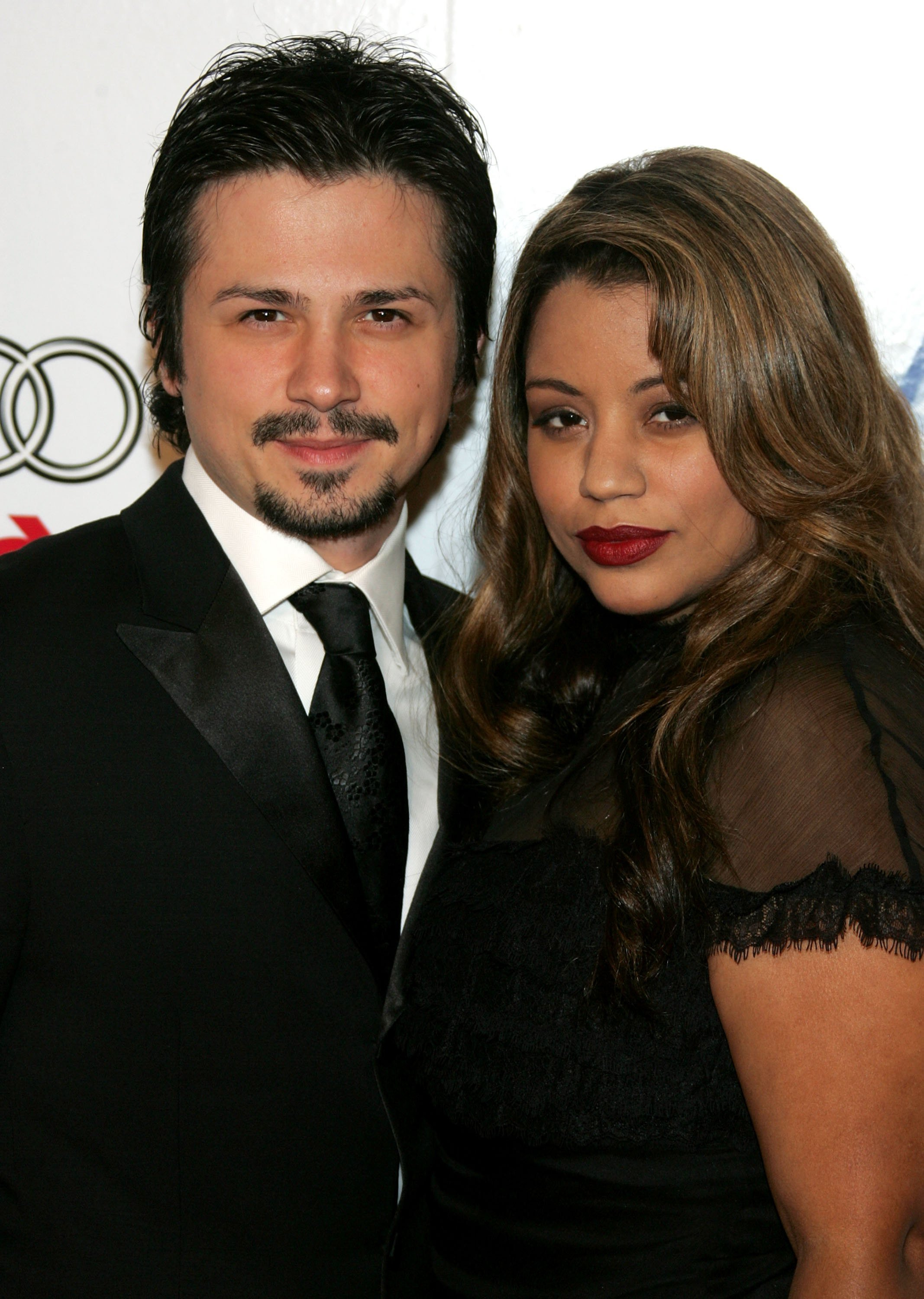 """Freddy Rodriguez (L) and wife Elsie Rodriguez arrive at the AFI FEST presented by Audi opening night gala of """"Bobby"""" at the Grauman's Chinese Theatre on November 1, 2006, in Hollywood, California. 