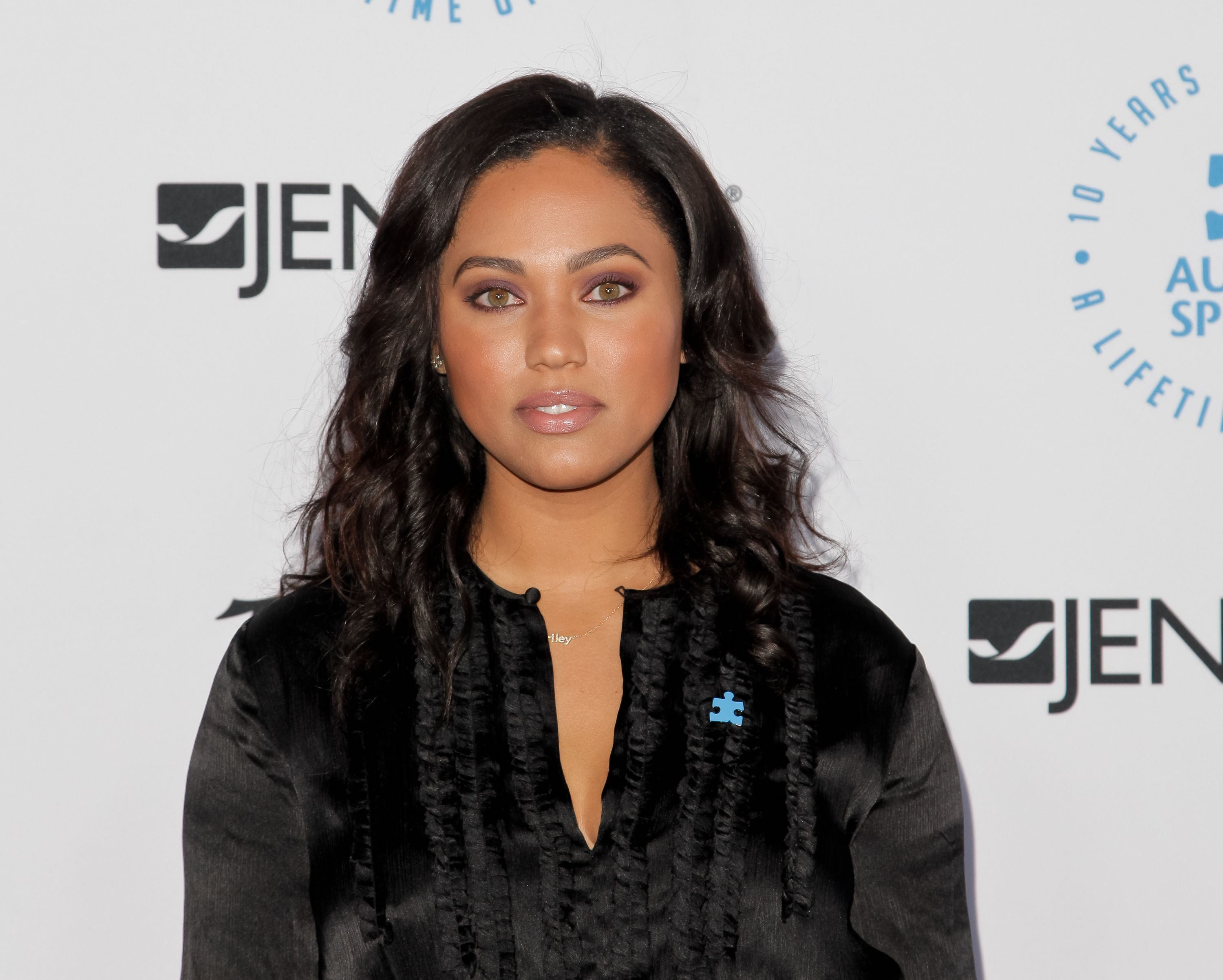 Ayesha Curry during the Autism Speaks to Los Angeles Celebrity Chef Gala at Barker Hangar on October 8, 2015 in Santa Monica, California. | Source: Getty Images