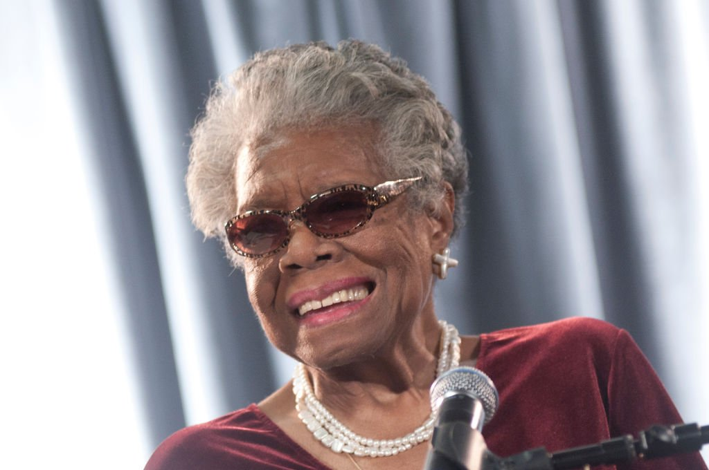 Maya Angelou speaks during the AARP Magazine's 2011 Inspire Awards at Ronald Reagan Building on December 9, 2010. | Photo: Getty Images