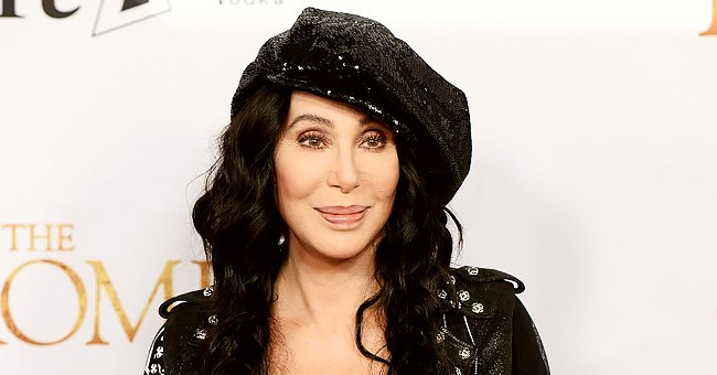 See Cher's Video Call With a 60-Year-Old Woman with Alzheimer's That Was Arranged by Her Daughter