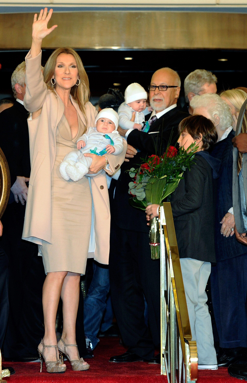 Céline Dion et René Angélil à la naissance de leurs jumeaux Nelson et Eddy. l Source : Getty Images