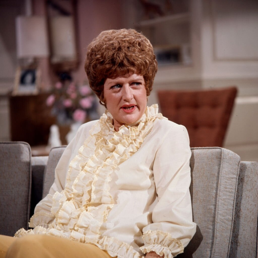"1971 : Peggy Pope apparaît dans la série télévisée ""The Neighbors"" de Walt Disney Television. 
