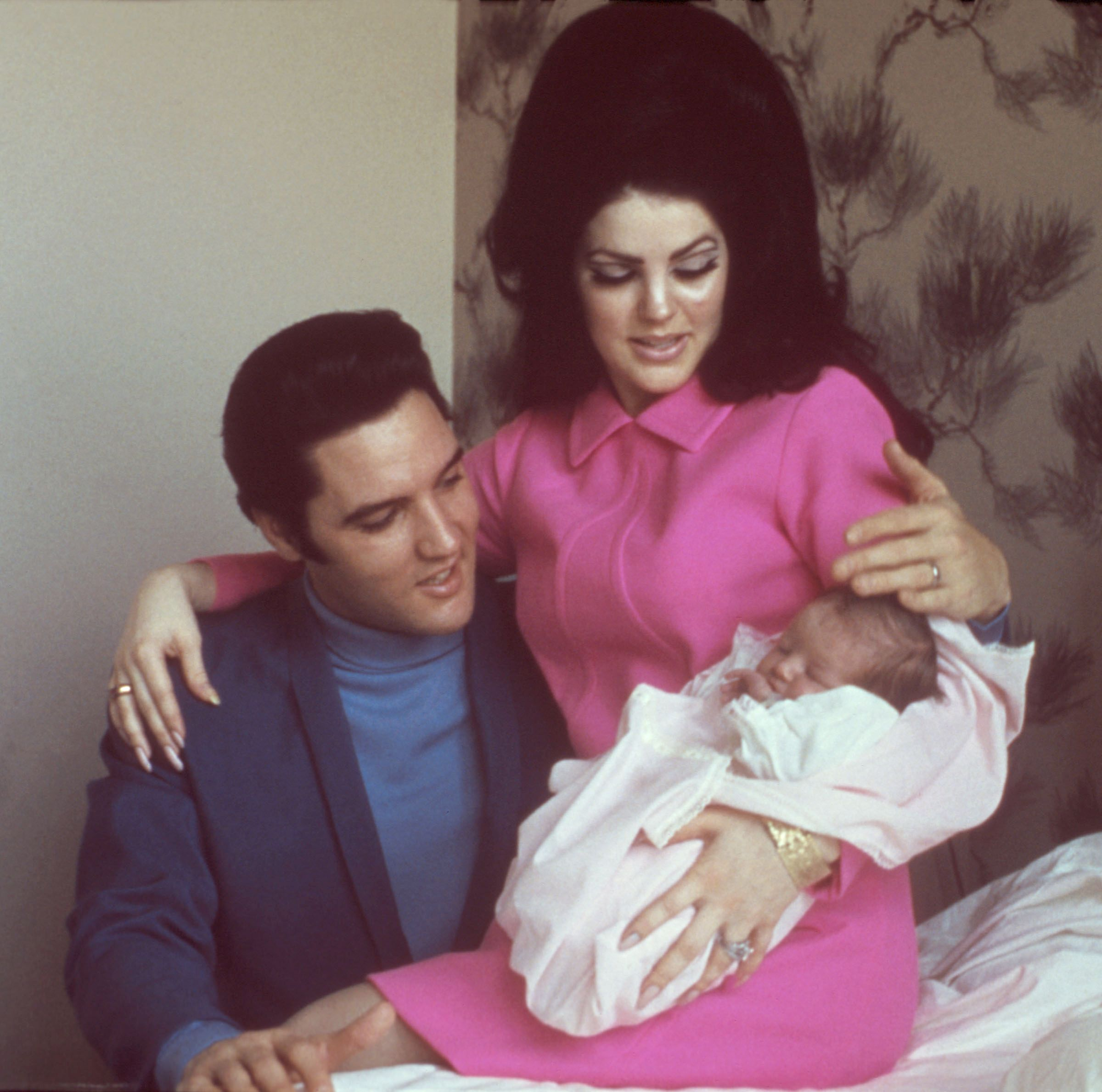 Elvis Presley, Priscilla and Lisa Marie in 1968   Photo: Getty Images