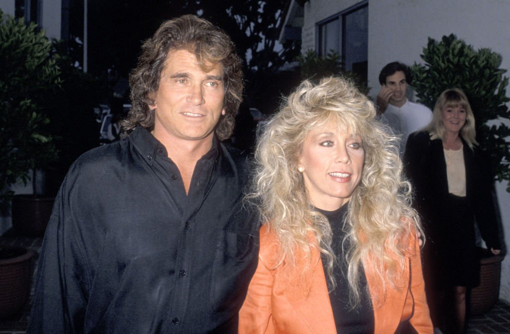 Michael Landon und seine Frau Cindy Landon nehmen am 2. Juni 1989 an der Eröffnungsfeier des Restaurants La Scala im Restaurant La Scala in Malibu, Kalifornien, teil. (Foto von Ron Galella) I Quelle: Getty Images