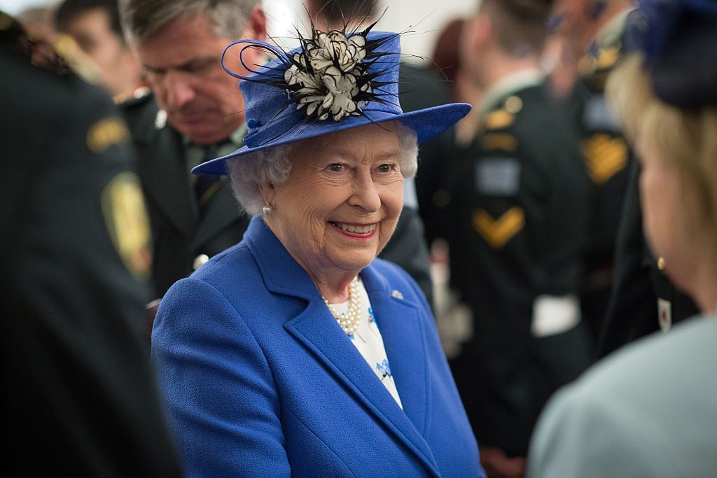 Queen Elizabeth II meets guests during a reception at Canada House on April 19, 2015 in London, England. | Photo: Getty Images