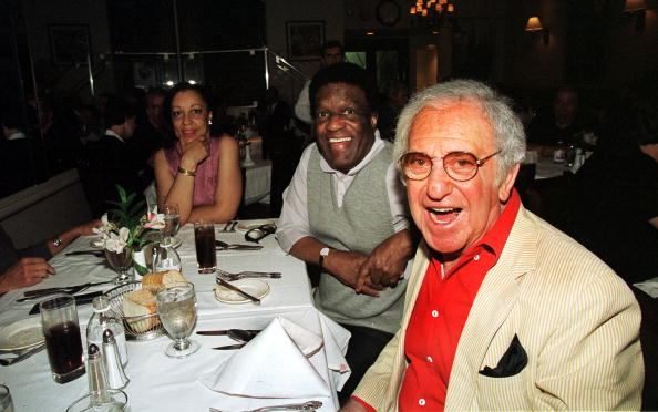 Nipsey Russell and Soupy Sales at Patsy's Resturant October 5, 2001 in New York City | Source: Getty Images/Global Images Ukraine