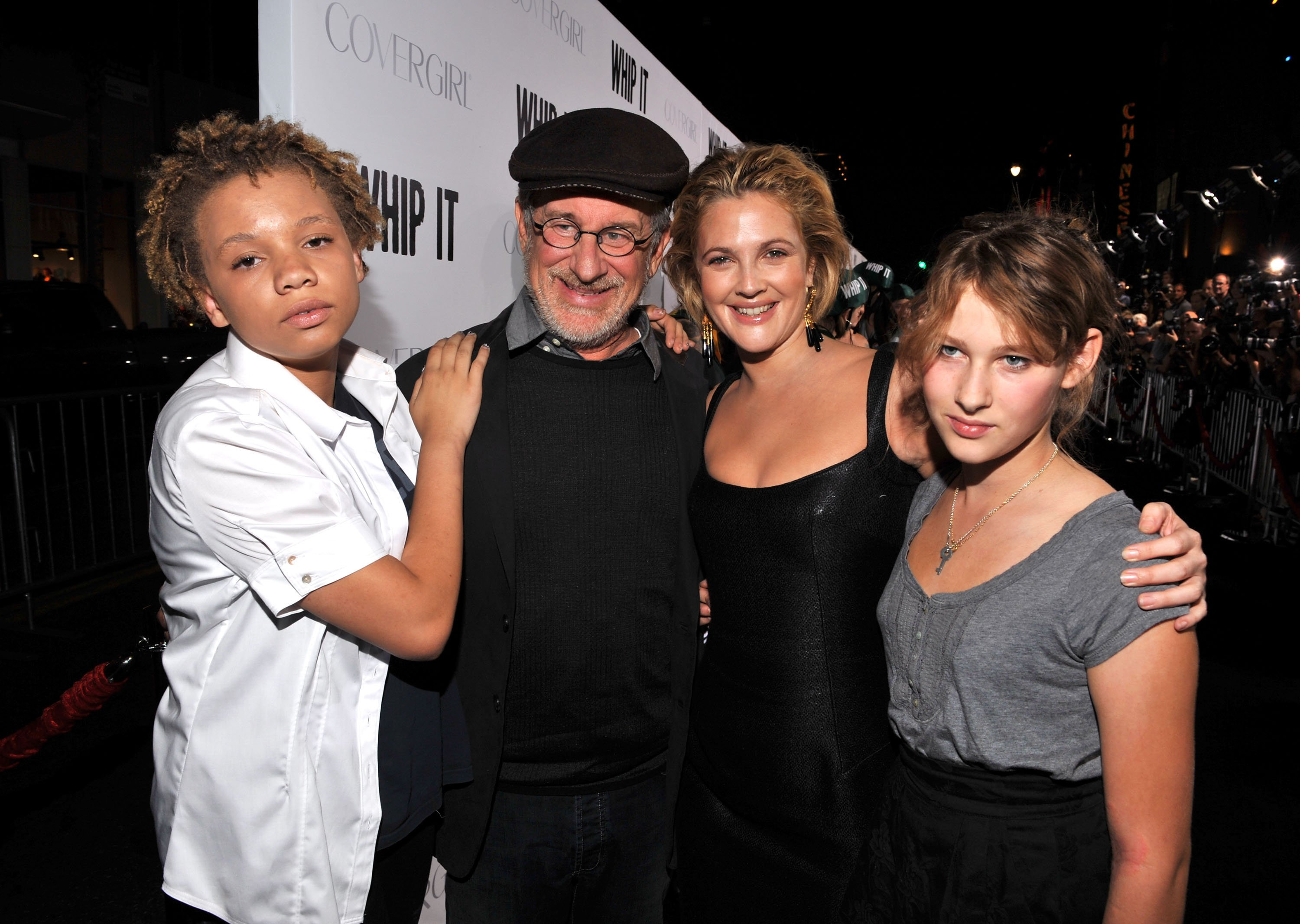 """Mikaela Spielberg, Steven Spielberg, Drew Barrymore and Destry Allyn Spielberg arrive on the red carpet for the premiere of """"Whip It"""" on September 29, 2009, in Hollywood, California 