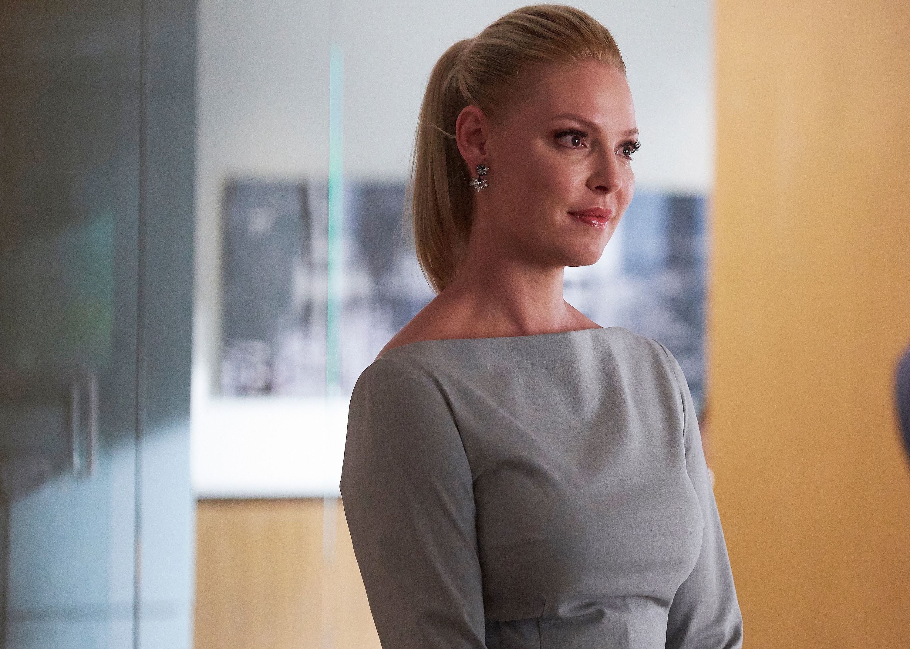 """Katherine Heigl as Samantha Wheeler in """"Suits"""" episode 808. 