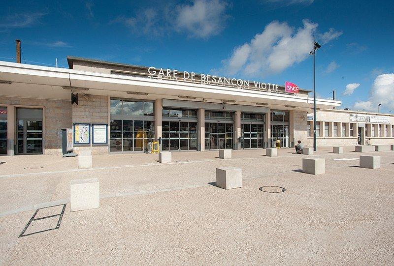 Bâtiment voyageurs de la gare de Besançon-Viotte. | Wikimedia Commons