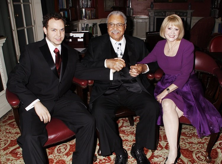 (L-R) Flynn, James, and Cecilia at the RAC Club in London, England on Oct. 5, 2011 | Source: Getty Images