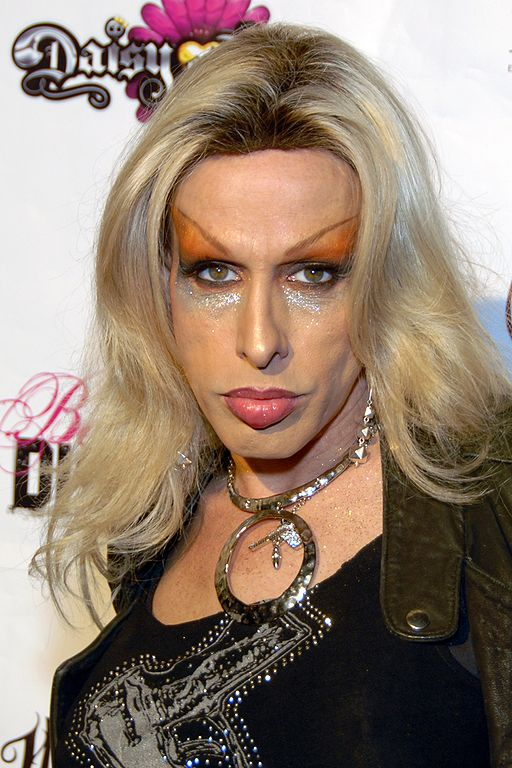 """Alexis Arquette at the premiere of """"Daisy of Love"""" in Hollywood in 2009   Source: Wikimedia Commons/ Glenn Francis/ www.PacificProDigital.com"""