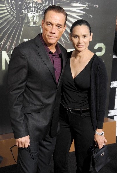 "Jean-Claude Van Damme et Gladys Portugues à la première de ""The Expendables 2"" à Los Angeles le 15 août 2012. 