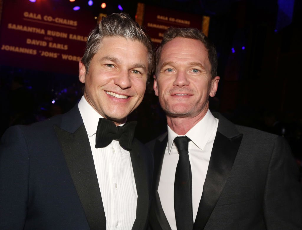 David Burtka and Neil Patrick Harris pose at the 2020 Roundabout Theater Gala on March 2, 2020 | Photo Getty Images