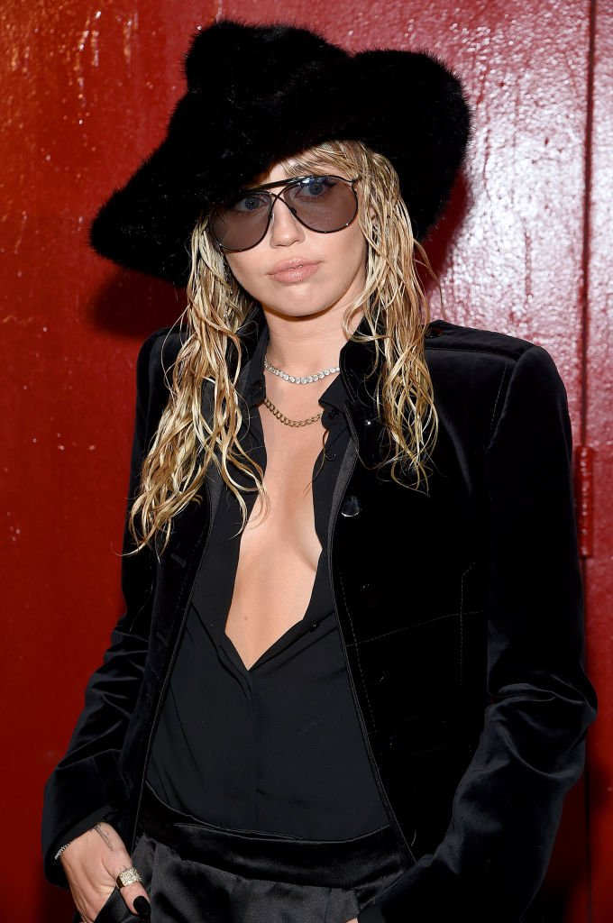 Miley Cyrus attends the Tom Ford arrivals during New York Fashion Week | Photo: Getty Images